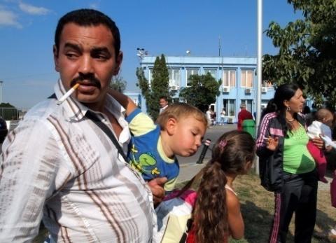 Bulgaria: French Mayor Uses Bulgarian, Romanian to Fend Off Roma Scavengers