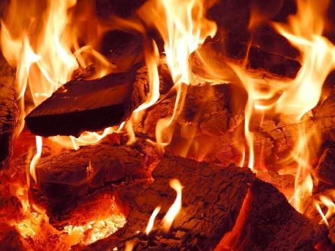huge fire in bulgarian black sea capital extinguished novinite com
