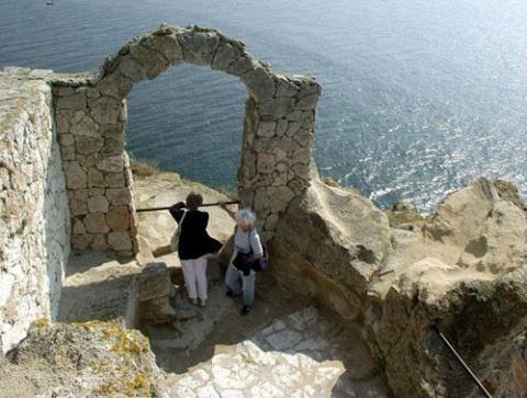 Archeology Digs at Bulgarian Black Sea Coast Reveal Precious Finds: Archeology Digs at Bulgarian Black Sea Coast Reveal Precious Finds