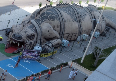 Bulgaria: Giant 'Dinosaur' Pays Visit to Bulgaria's Varna