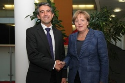 Bulgaria: German Chancellor Merkel Endorses Plevneliev for Bulgarian Presidency