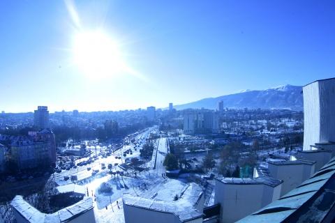 Bulgaria: Bulgaria Basks in Glorious Sun as 'Gypsy Summer' Returns