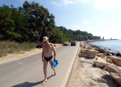 Varna GERB Governor Accused of Giving Green Light to Controversial Sea Park Project: Varna GERB Governor Accused of Giving Green Light to Controversial Sea Park Project