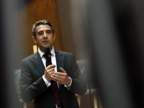 Bulgarian President: Germany Must Lead Europe: Bulgarian President: Germany Must Lead Europe