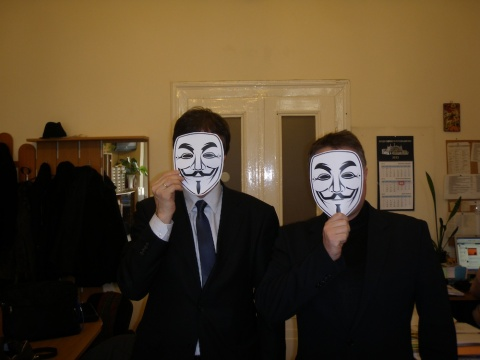 Bulgarian MPs Wear Guy Fawkes Mask to Protest ACTA: Bulgarian MPs Wear Guy Fawkes Mask to Protest ACTA