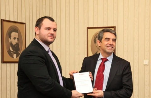 Bulgaria: Bulgarian President Plevneliev: Independent Online Media Symbolize 21st Century