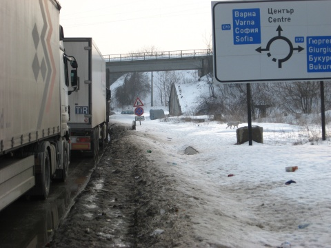 Bulgaria: Bulgarian-Romanian Danube Crossing Clogged Due to New Document System