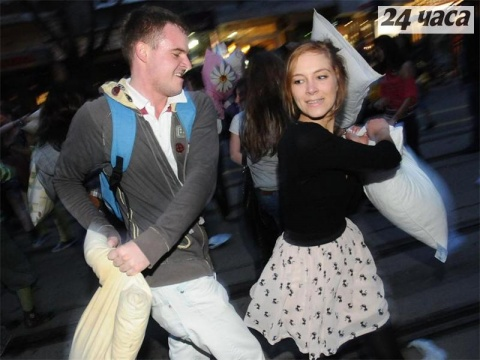 Bulgaria: Sofia Joins Global Pillow Fight Day