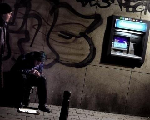 Bulgaria: Bulgarian Analysts Raise Alarm over Looming Recession