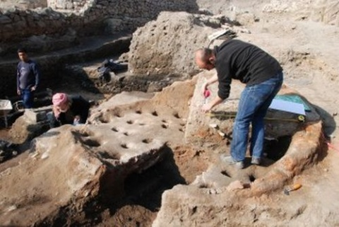 Bulgaria: Bulgarian Archaeologists Find Ancient Vase Depicting 'Group Sex'