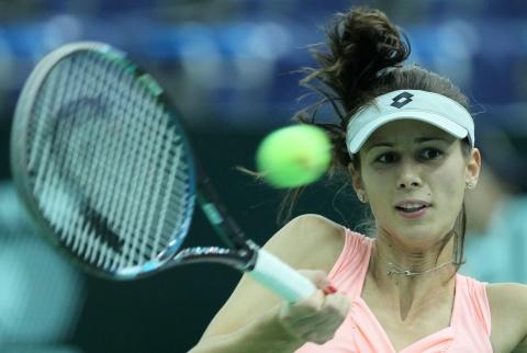 Bulgaria: Bulgaria's Pironkova Kicks Radwanska Out of Eastbourne Tournament