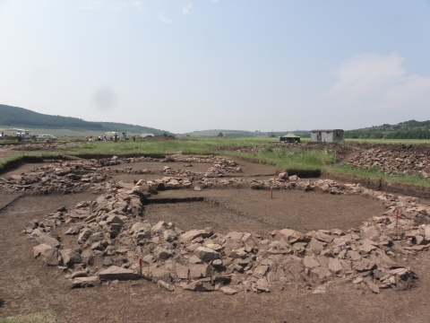 Bulgaria: Bulgarian Archaeologists Find Ancient Thracian Cemetery on Highway Route