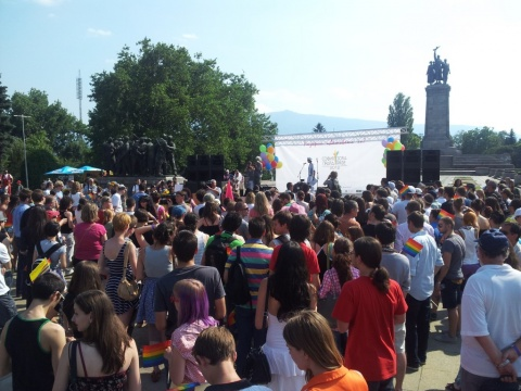 Bulgaria: Hundreds Gather for 5th Sofia Gay Pride