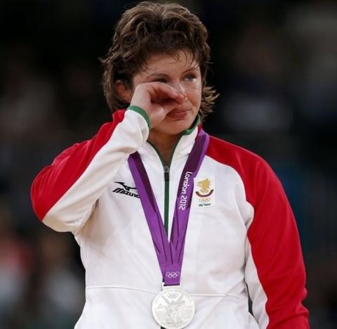 Bulgaria: Heart-Broken Zlateva of Bulgaria Settles for Olympic Silver