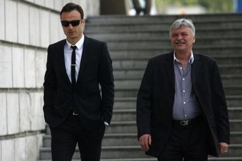 Bulgaria: It's Official: Berbatov Joins Fulham