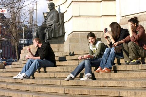 Bulgaria: Crisis Pushes Greek Students to Bulgaria, Romania