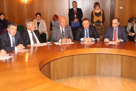 Bulgaria: Bulgarian Agri Min Vows to Rule Again, Conquer Russia, Arabia