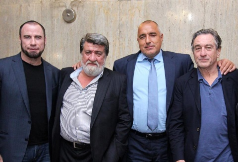 Bulgaria: Bulgarian PM Enjoys Having Photos Taken with De Niro, Travolta