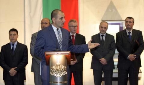 Bulgaria: Bulgarian Policemen's Language Skills Problematic for Tourists - Diplomats