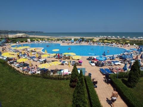 Bulgaria: Bulgaria Revises Down Tourism Spending Data, Doubts Remain