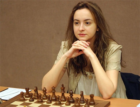 Bulgaria's Stefanova with Comeback Win at World Chess Tournament: Bulgaria's Stefanova with World Chess Tournament Comeback