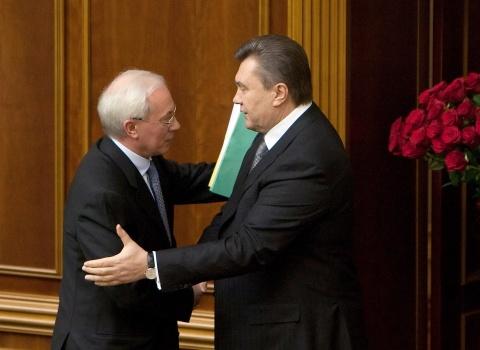 Bulgaria: Ukrainian President Yanukovych Sacks PM Azarov, Govt