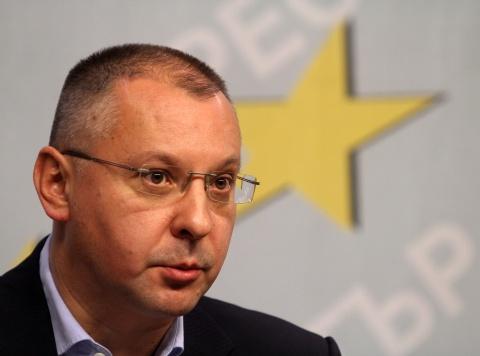 Bulgaria: Socialist Leader Suggests Bulgaria's Rulers Face Revolution