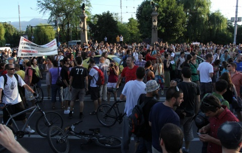 Bulgaria: Eagles Bridge Protesters Named Bulgaria's 'Human of the Year'