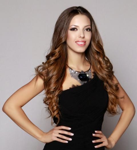 Bulgaria: Bulgarian Zhana Yaneva Vies for Miss Universe Crown