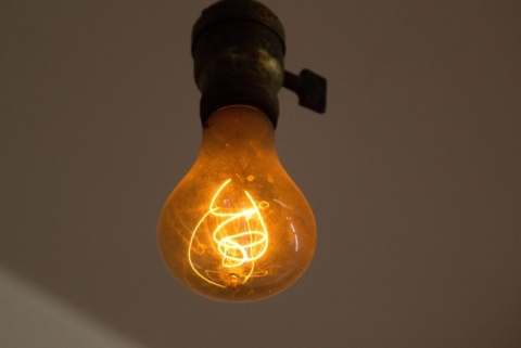Bulgaria: Bulgaria's Retailers Evade Incandescent Bulb Ban - Report