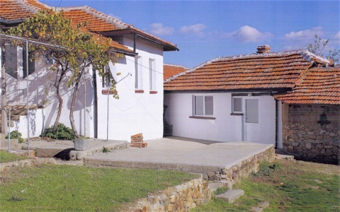 Bulgaria: A Lovely Bulgarian Home for Just GBP 6 000