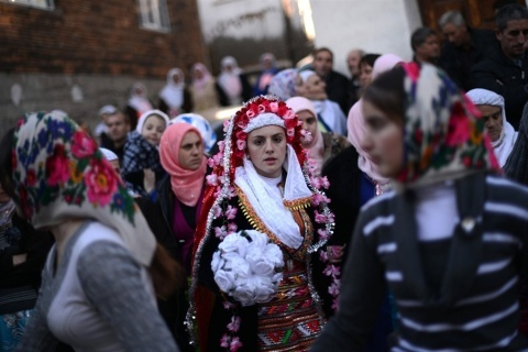 Bulgaria: Unique Wedding Tradition in Ribnovo, Bulgaria