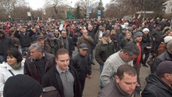 Bulgaria: Bulgarian PM Reluctant to Kick Out Power Utilities amid Protests