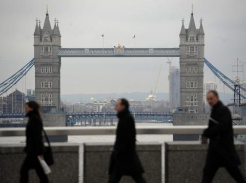 British Embassy Confirms Lift of Labor Restrictions for Bulgarians in 2014: British Embassy Confirms Labor Restrictions Lift for Bulgarians