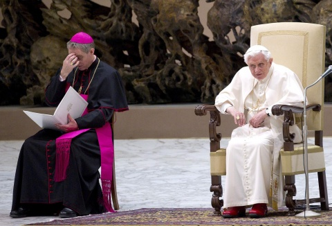 Bulgaria: Tired Pope Benedict Thanks Public for 'Love and Prayers'