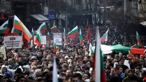 Bulgaria: Bulgaria Ruling Party Backs Govt, Anti-Govt Protests