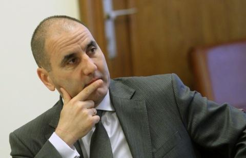 Bulgaria: Bulgarian Interior Minister Applauds PM's Resignation