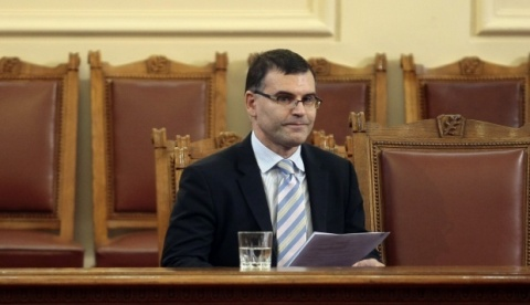 Ousted Bulgarian FinMin Tight-Lipped on PM's Resignation: Ousted Bulgarian FinMin Tight-Lipped on PM's Resignation