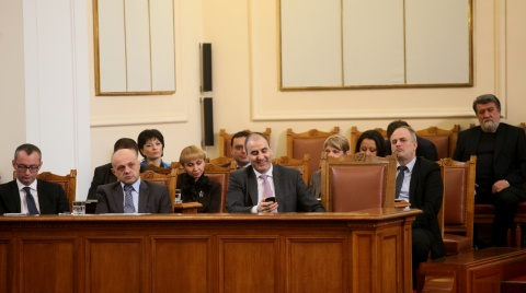Bulgaria: Bulgarian Parliament Accepts Govt Resignation