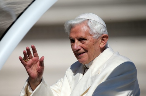 Bulgaria: Pope Benedict Bids Emotional Farewell at Last Audience