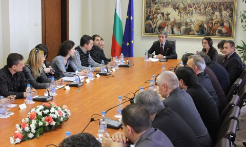Bulgaria: Scandal, Walk-Out Mar Bulgaria President Public Council Talks