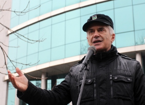Bulgaria: Bulgarian Nationalist Threatens 'Guerilla War' if Right-Winger Forms Caretaker Govt