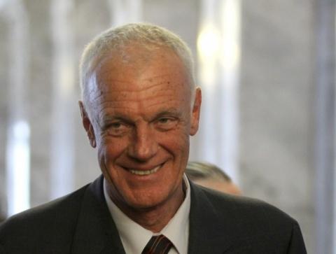 Bulgaria: Bulgaria Education Minister Vows New Job for Harlem Shake Teacher