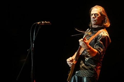 Bulgaria: Bulgarians Bid Farewell to Rock Legend Petar Gyuzelev
