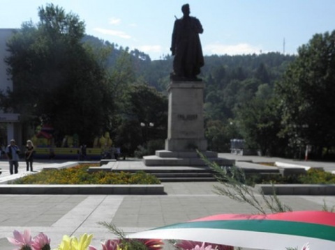 Bulgaria, Macedonia Bow to Freedom Apostle Gotse Delchev: Bulgaria, Macedonia Bow to Freedom Apostle Gotse Delchev