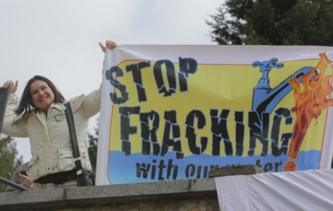 Romania Gives Green Right to Chevron for Shale Gas Fracking near Bulgarian Border: Romania Gives Green Light to Shale Gas Fracking near Bulgarian Border