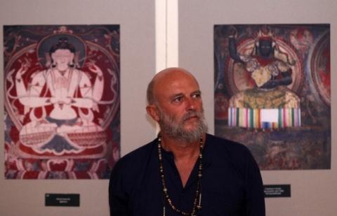 Bulgaria: Famous Bulgarian Poet Continues Anti-Govt Hunger Strike Despite Fears