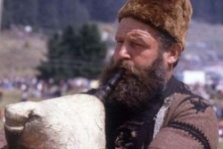 Bulgaria: Thousands Gather in Traditional Bulgarian Bagpipe Festival