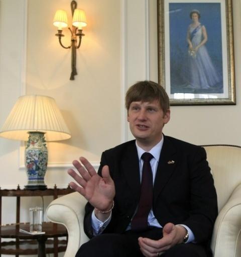 Bulgaria: UK Envoy: Bulgarian Legislation Weak, Confidence Low