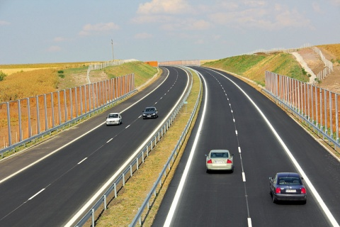 Bulgaria: Bulgarian MPs Propose Keeping New Drivers Off Highways